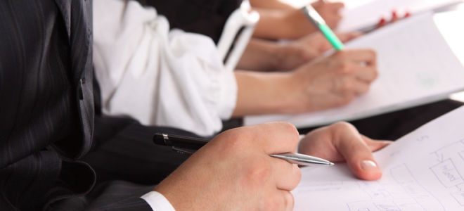 Дополнительное соглашение к трудовому договору — правила и образец документа