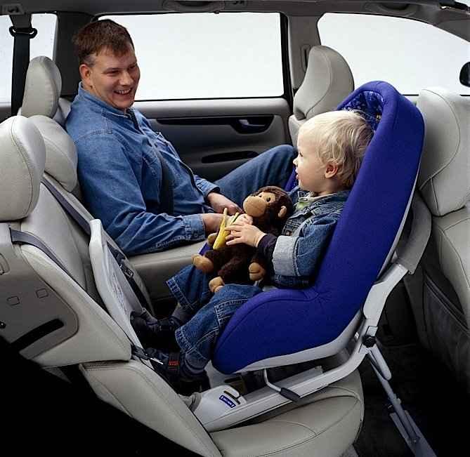 Перевозка ребенка на переднем сиденье советы по перевозке