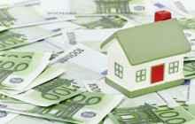 Макет частного дома и деньги