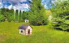 домик на травке