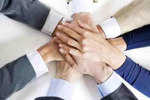 соединенные руки