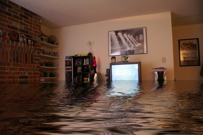 затопленная комната в квартире