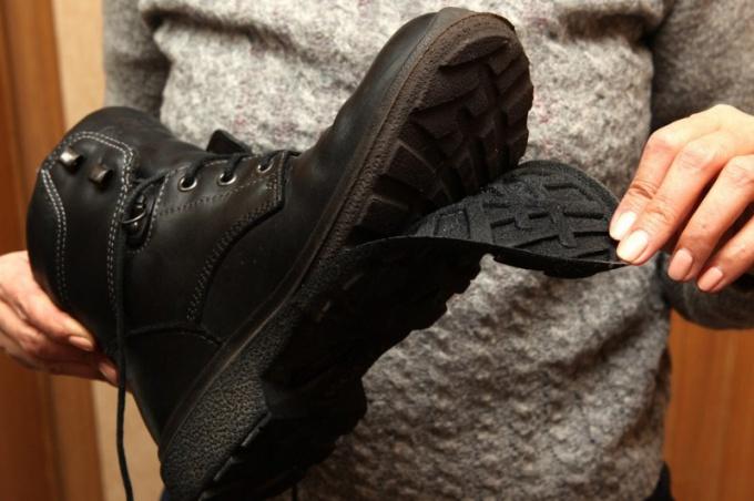 Какой случай является гарантийным если срок гарантии на обувь не истек